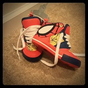 NWT Disney Spiderman toddler boys shoes size 8